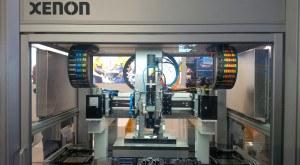Als Komponente im Präzisions-Dosiersystem mit Vakuumoption von XENON konnte der eco-PEN 450 von preeflow by ViscoTec überzeugen.